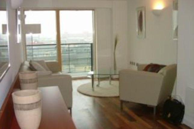 Thumbnail Flat to rent in Whitehall Waterfront, 2 Riverside Way, Leeds