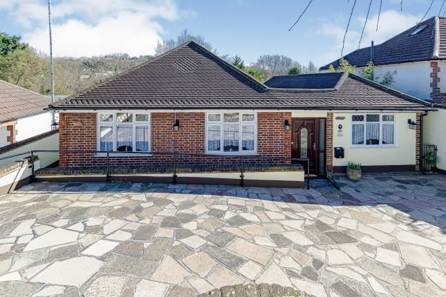 Thumbnail Bungalow for sale in Mosslea Road, Whyteleafe, Surrey, .