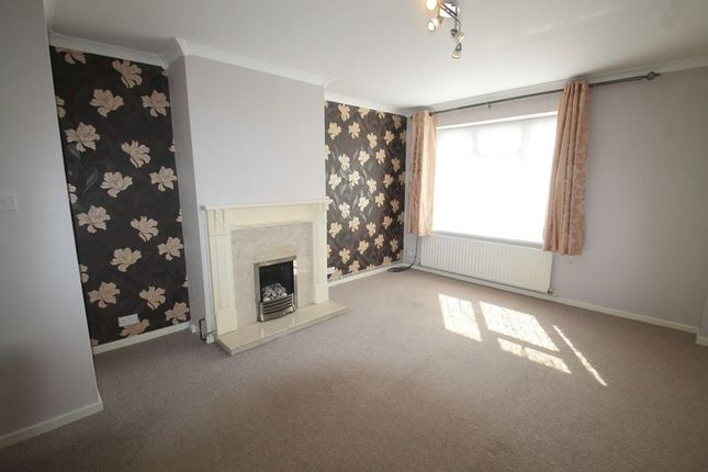 2 bed maisonette to rent in Temple Hill Square, Dartford