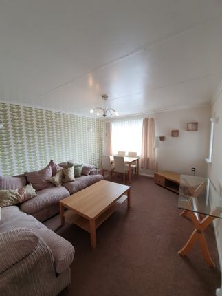 Thumbnail Flat to rent in Drumoyne, Morefield Road, - Furnished