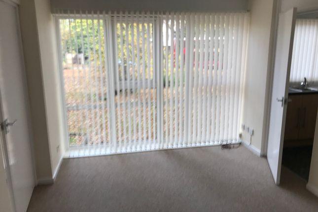 Studio to rent in Albrighton House, Browns Green, Birmingham B20