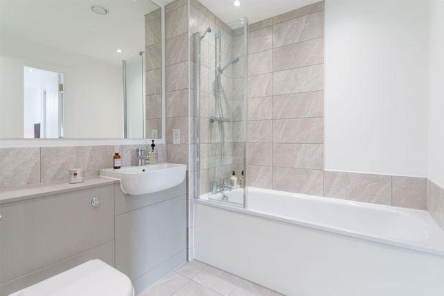 Bathroom & En-Suite (3)