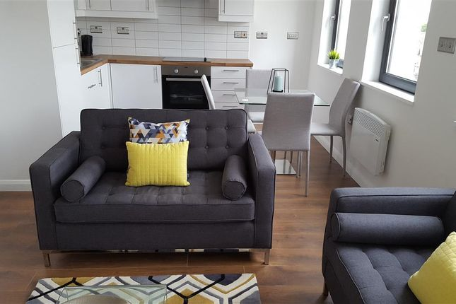 Thumbnail Flat to rent in Warwick Road, Acocks Green, Birmingham