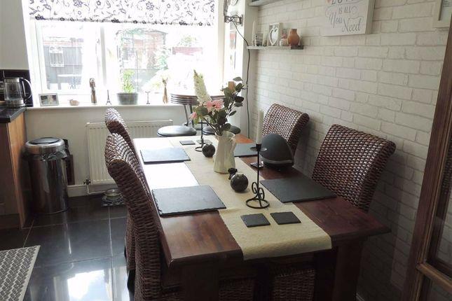 Dining Kitchen of Otterburn Place, Offerton, Stockport SK2