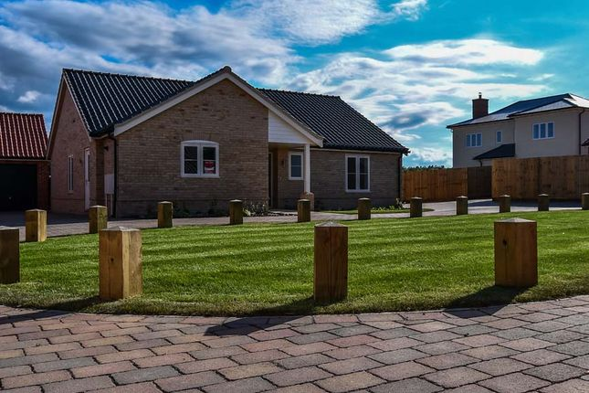 3 bedroom detached bungalow for sale in Magpie Close, Holt