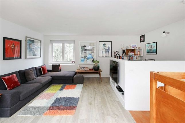 Property to rent in Ainsworth Way, London