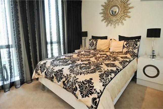 1 bed flat to rent in East Tower, 3 Pan Peninsula Sq, London, UK
