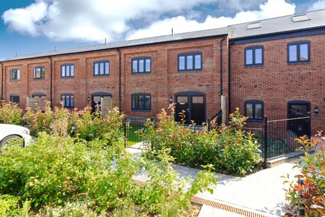 Thumbnail Mews house to rent in Maltings Row, Deanshanger, Milton Keynes