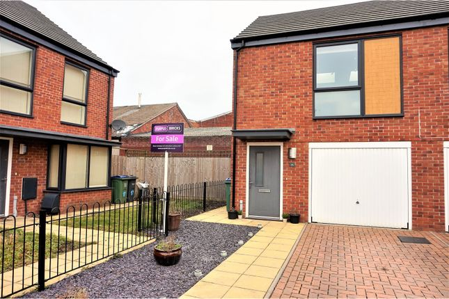 Thumbnail Property for sale in Ryders Mill Close, West Bromwich