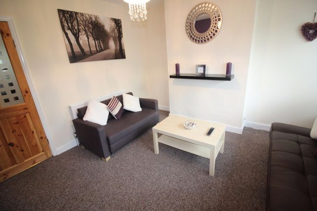 Thumbnail Semi-detached house to rent in Kirkdale Drive, Leeds