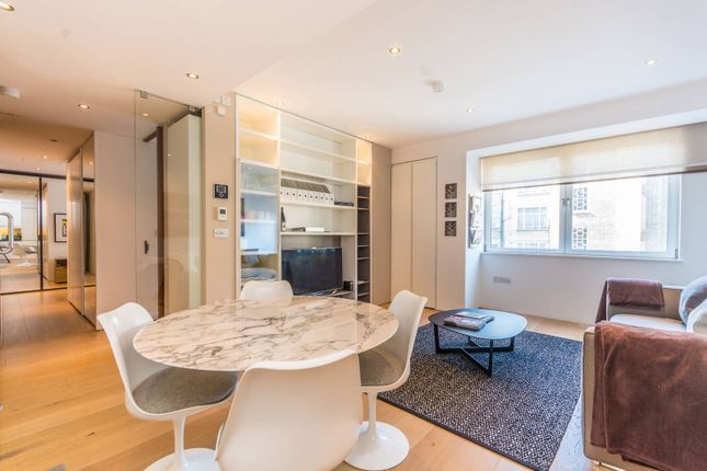 Thumbnail Flat for sale in Baker Street, Marylebone