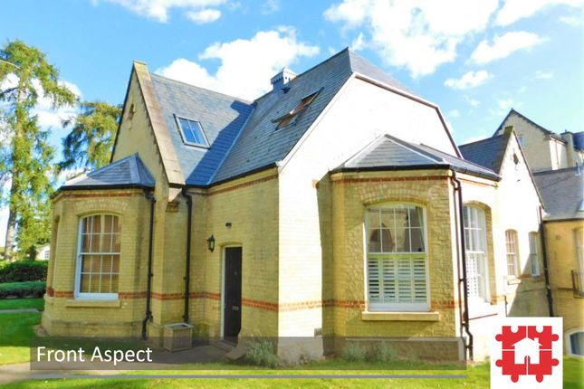 Thumbnail Flat for sale in Kingsley Avenue, Fairfield Hall, Stotfold, Herts