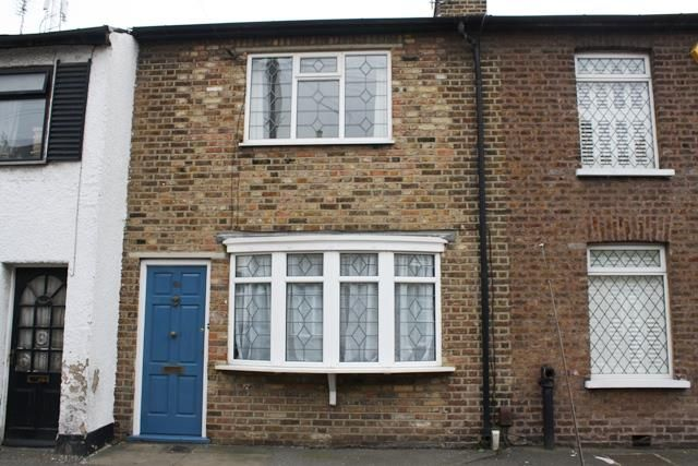 Thumbnail Terraced house to rent in New Road, Brentford
