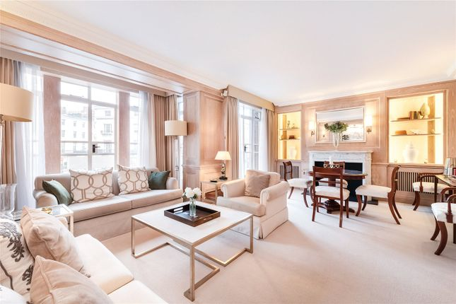 Flat to rent in Cadogan Place, Sloane Square, London