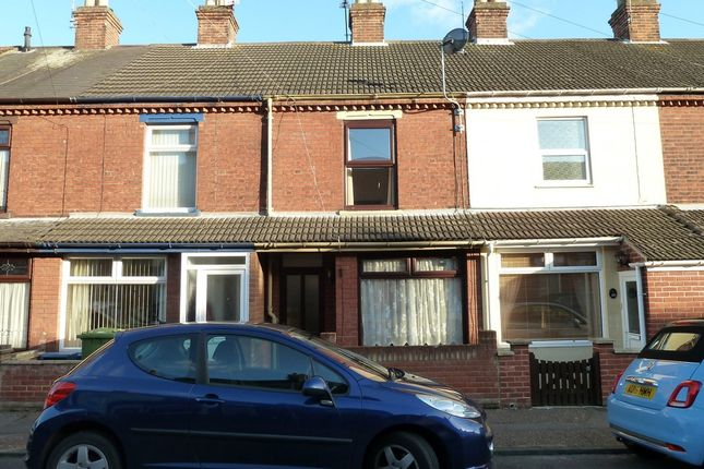 Thumbnail Terraced house to rent in Palgrave Road, Great Yarmouth