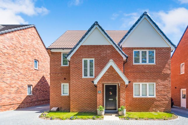 Thumbnail Detached house to rent in Millers Grove, Woodley, Reading