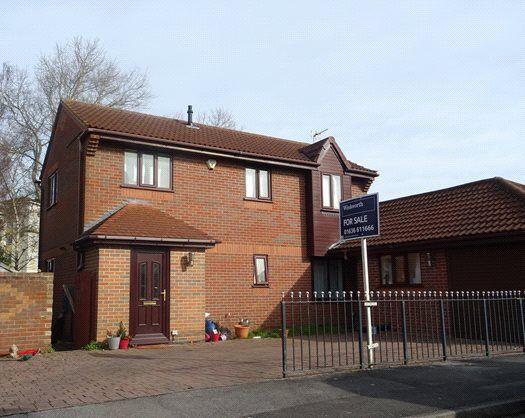 Picture No. 04 of Cardinal Hinsley Close, Newark NG24