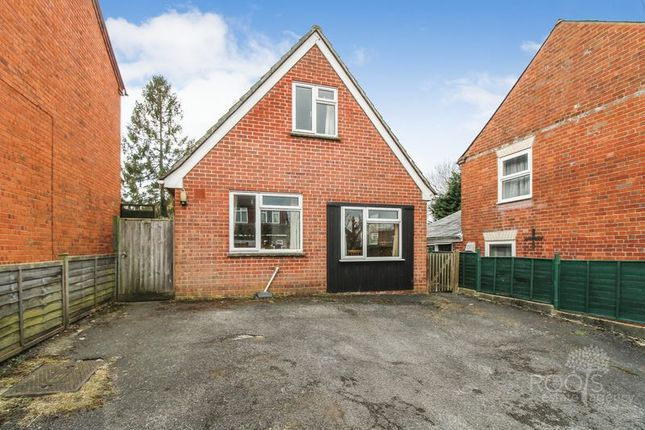 Thumbnail Detached house for sale in The Folly, Newbury