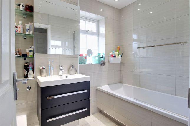 Bathroom 1 of Priestwood Avenue, Bracknell RG42