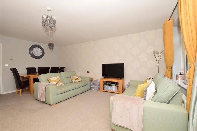 Lounge/Diner of Goddards Close, Cranbrook, Kent TN17