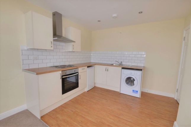 1 bed flat to rent in King Charles II House, Headlands Lane, Pontefract WF8