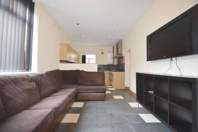 Thumbnail Terraced house to rent in Dogfield Stret, Cardiff