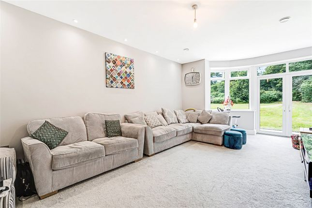 Lounge of Birstall Road, Birstall, Leicester, Leicestershire LE4