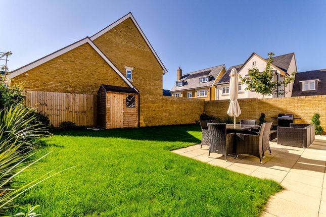 Thumbnail Property to rent in Edgefield Close, Beckenham