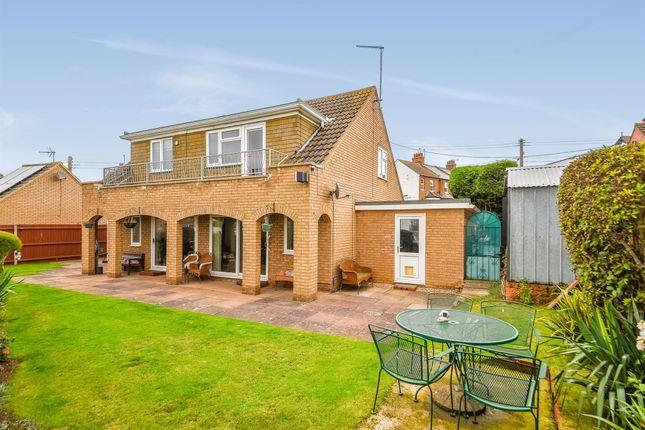 Thumbnail Detached house for sale in Crescent Road, Hunstanton
