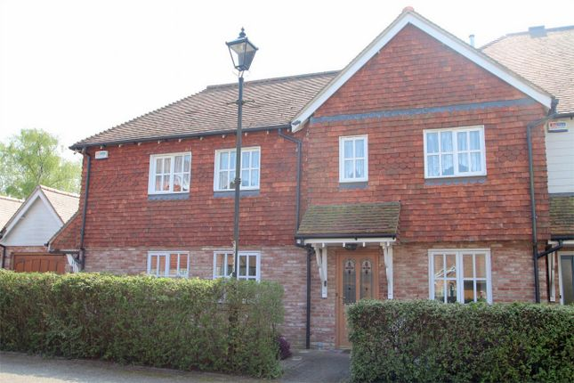 2 bed flat for sale in Biddenden, Ashford