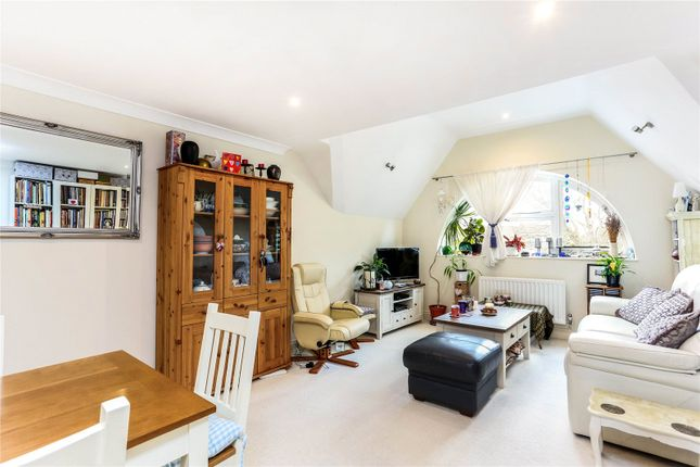 Thumbnail Flat for sale in Farnham Cloisters, 41 Shortheath Road, Farnham, Surrey