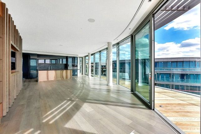 Thumbnail Flat to rent in Goldhurst House, Parr's Way, Fulham Reach, London