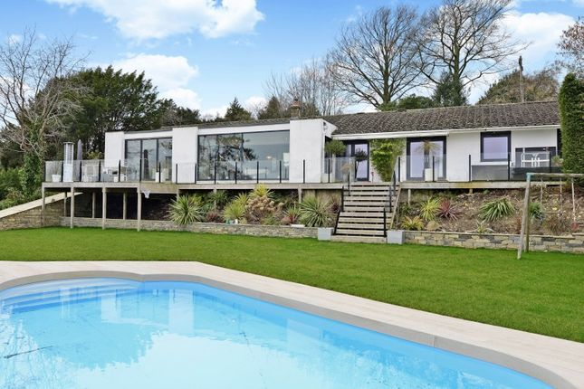 Thumbnail Bungalow for sale in Upper Guildown Road, Guildford