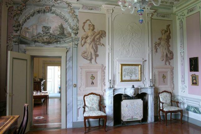 Cream of Villa Fontana, Cortona, Tuscany