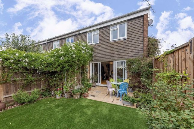 Thumbnail Terraced house for sale in Staveley Gardens, London