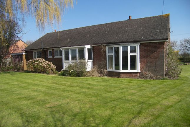 Thumbnail Bungalow to rent in Ballam Road, Lytham St. Annes