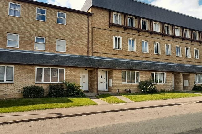 Thumbnail Flat to rent in Whitehill Road, Cambridge