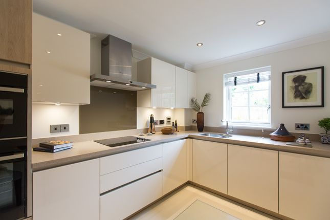 Thumbnail Flat for sale in Cooper's Hill Lane, Englefield Green