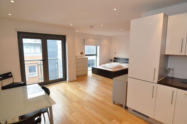 Studio to rent in Broad Quay, Bristol