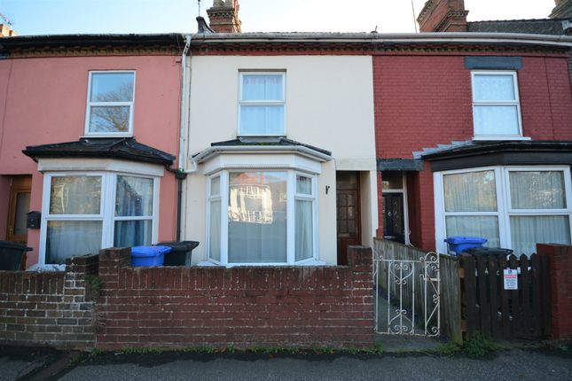 Thumbnail Terraced house to rent in London Road South, Lowestoft, Suffolk