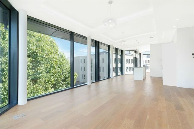 Thumbnail Flat to rent in Cocoa Mill, London, Shad Thames
