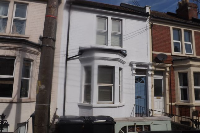 2 bed terraced house to rent in Cotswold Road, Bristol