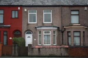 Thumbnail Terraced house to rent in Leigh Road, Leigh