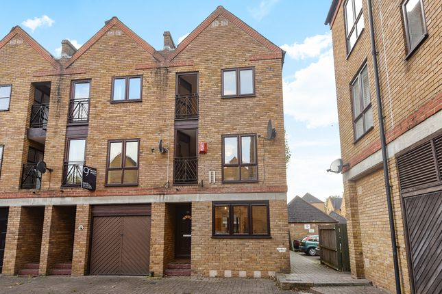 Thumbnail End terrace house for sale in Brunswick Quay, London