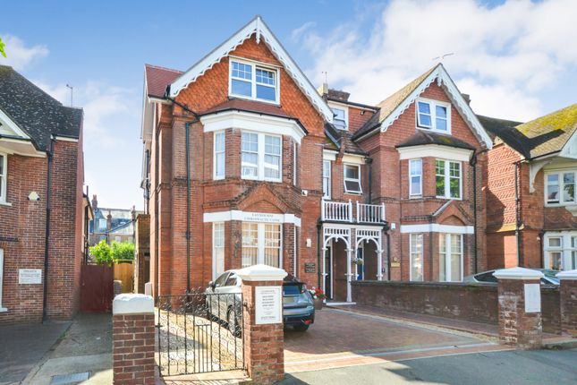 Thumbnail Flat to rent in Old Orchard Road, Eastbourne