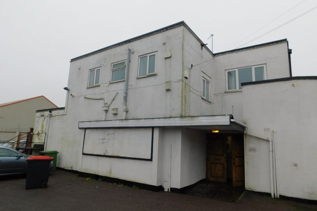 Thumbnail Leisure/hospitality to let in Spring Road, Wolverhampton