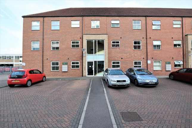 2 bed flat for sale in Riverside Drive, Lincoln LN5