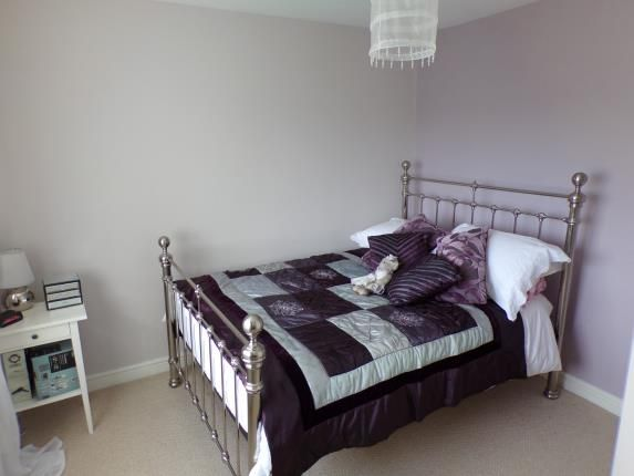 Summerwood lane clifton nottingham ng11 3 bedroom end for 5 clifton terrace winchester b b