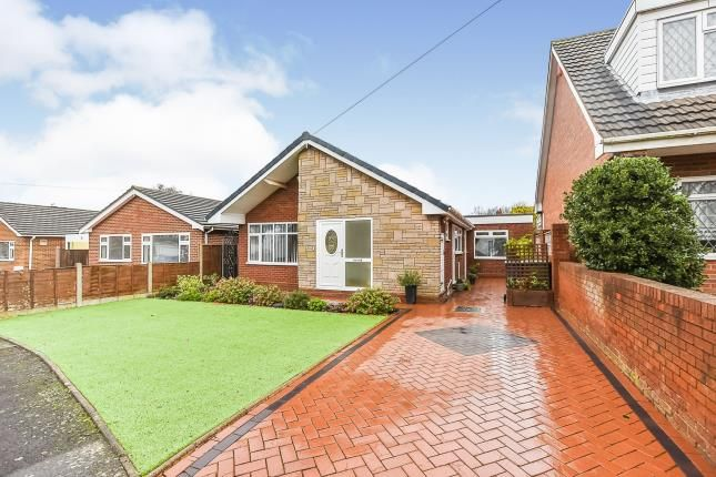 Thumbnail Bungalow for sale in Lawnswood Drive, Walsall, West Midlands