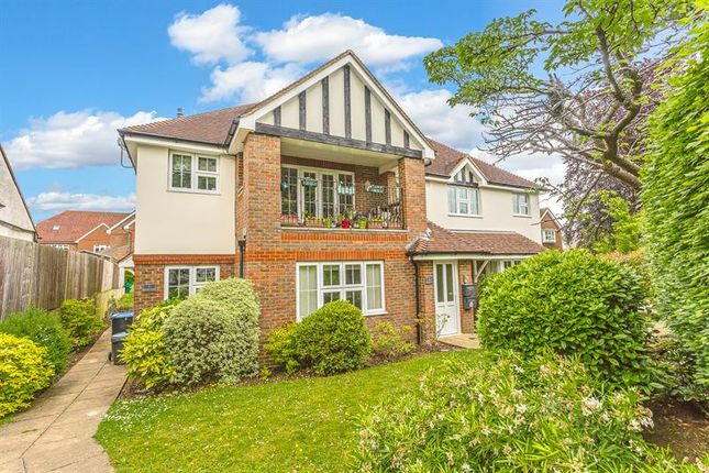 Thumbnail Flat for sale in Stanstead Road, Caterham